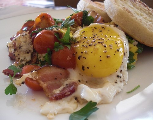 Tomatoes, Bacon, Eggs & Parsley With Whole Wheat Crumpets